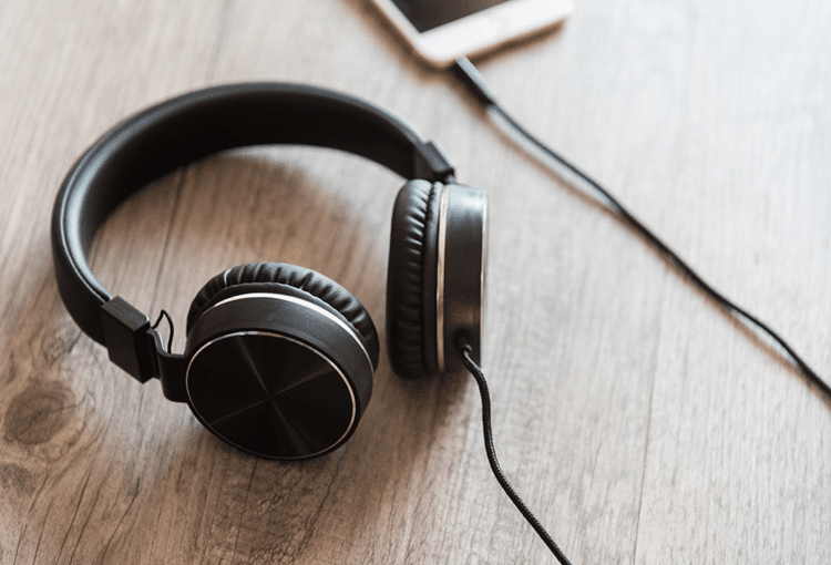 best noise cancelling headphones under 200